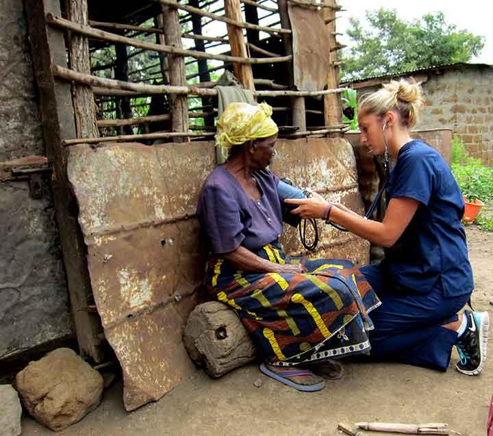 volunteer nurse abroad
