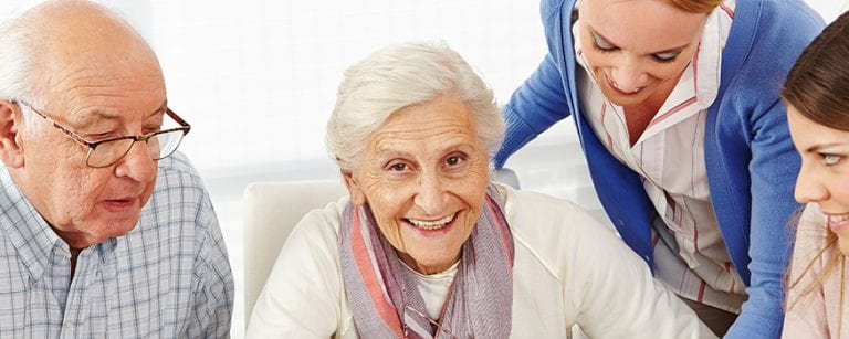 How to manage manipulative behavior in geriatric patients