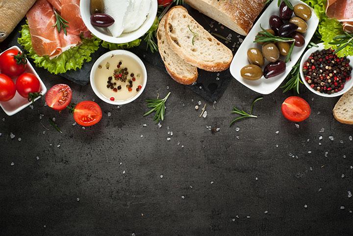 mediterranean diet reduce frailty risk