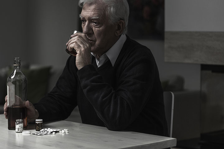 alcohol use disorder risk factor dementia